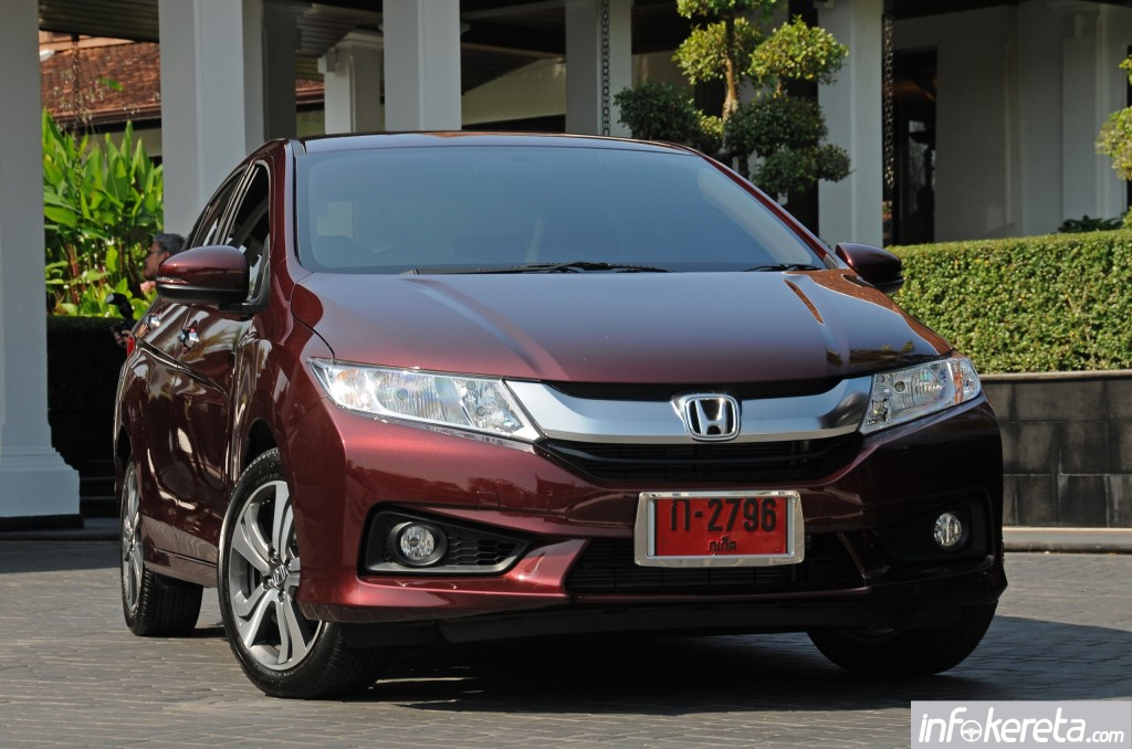 2014_Honda_City_preview_Thailand_ 023