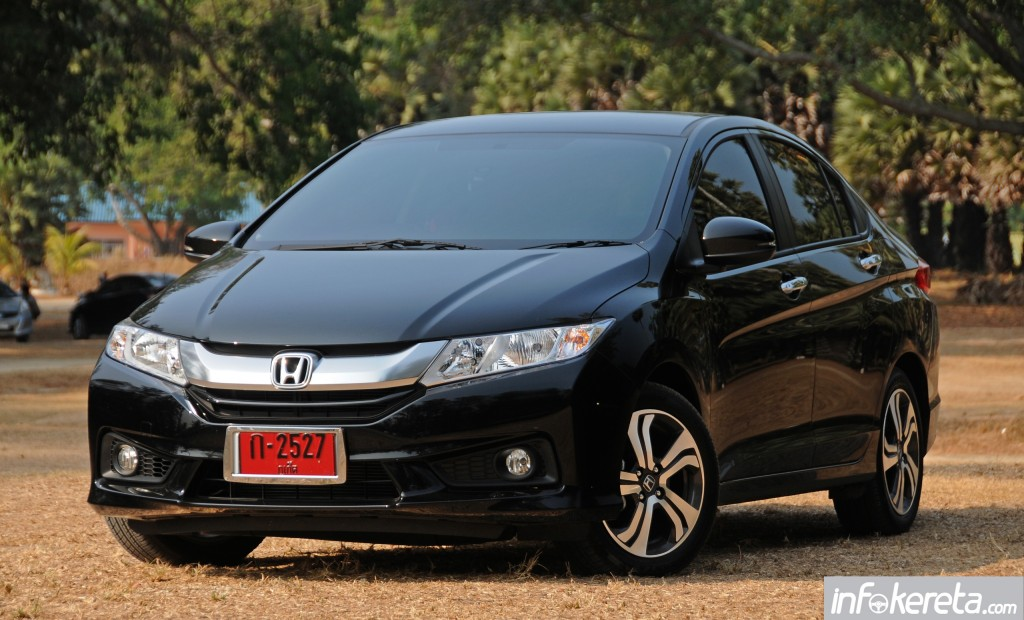 2014_Honda_City_preview_Thailand_ 024
