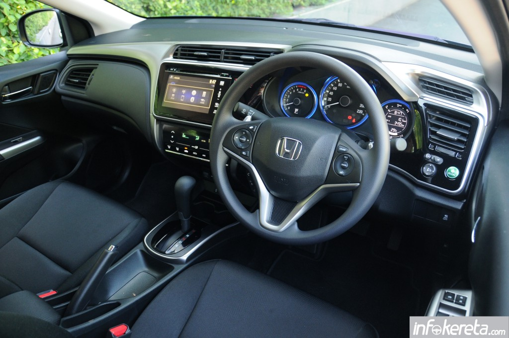 2014_Honda_City_preview_Thailand_ 063