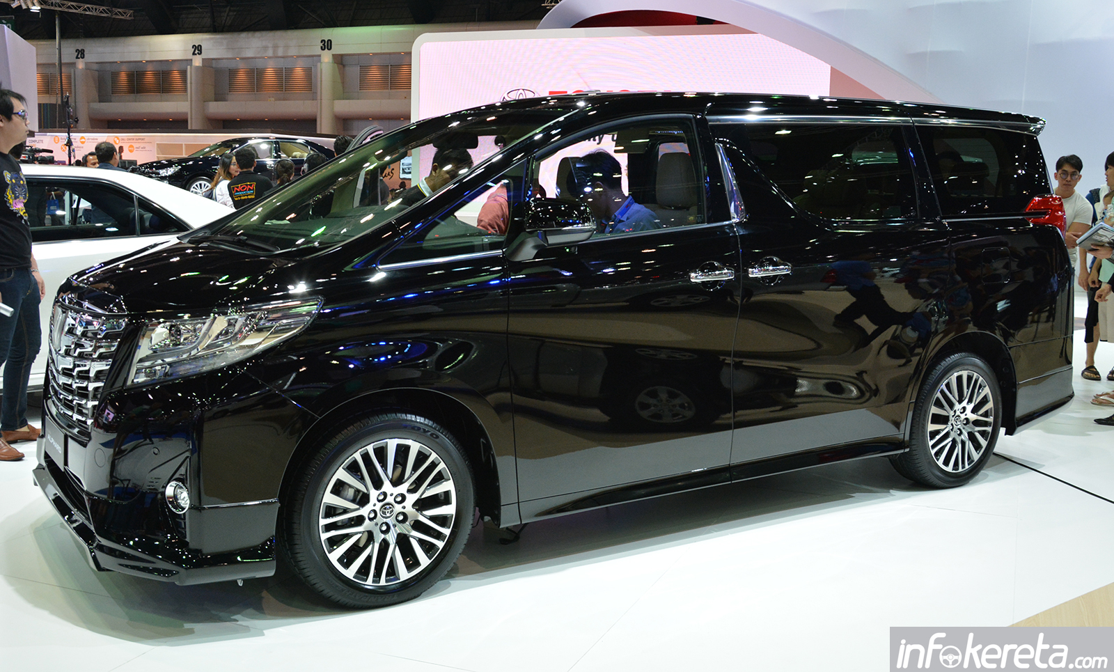 Sell Date For Toyota Prius V 2015 2017 2018 Best Cars