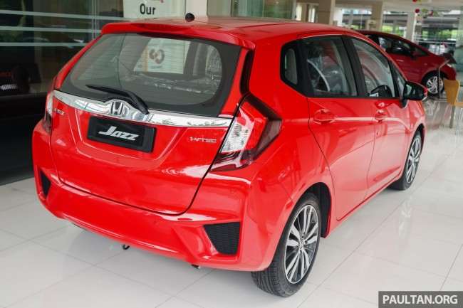 Honda Jazz Carnival Red 6